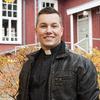 Daniel Björk jobbar som kyrkoherde i Petrus församling.Hans favoritplats i stanär skateparken i Kårböle, dit han går med sina söner varje dag under de här dagarna.