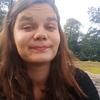 Rebecca Ahlbäck studerar nordiska språk och litteratur vid Helsingfors universitet.