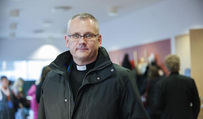 Teologiskt står Björn Vikström och Bo-Göran Åstrand varandra nära, säger de präster KP talat med.