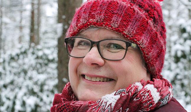 Caroline Sandström säger att bönen har en viktig funktion i att lära oss att lyssna inåt, för att få fatt i det Gud vill säga oss.