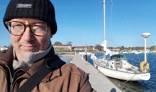 Frank Isaksson tycker också om att segla och vara ute i naturen.