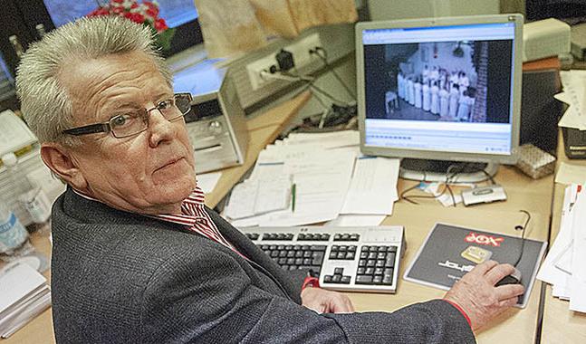 Bengt Klemets föreslår att de fyra svenska församlingarna i Pedersörenejden ska bli en.
