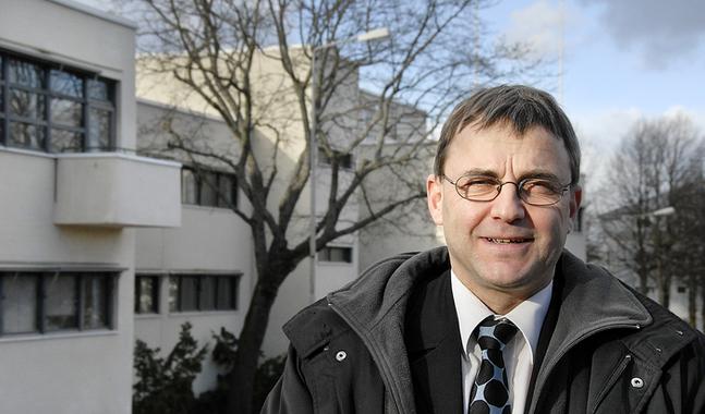 Peter Lindbäck är Ålands representant i kyrkomötet.