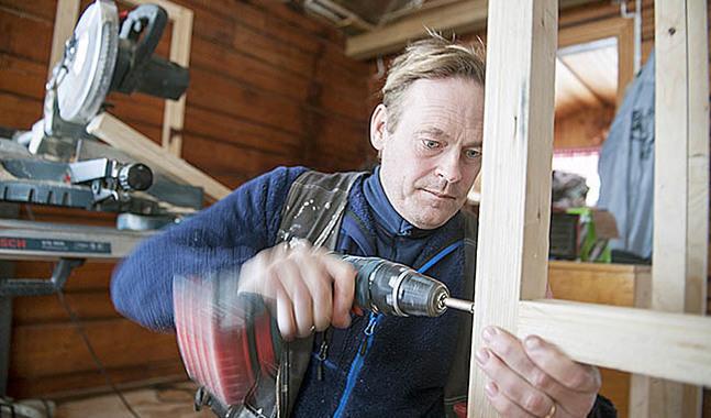 Robin Nyman vet att det är lättare att bygga på sin sommarstuga än att bygga församling.
