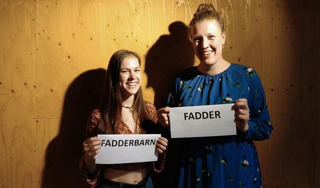Se Freja Pontán och Pia Öhman i det stora faddertestet på www.helsingforsforsamlingar.fi. Du kan också testa ditt eget fadderskap där.