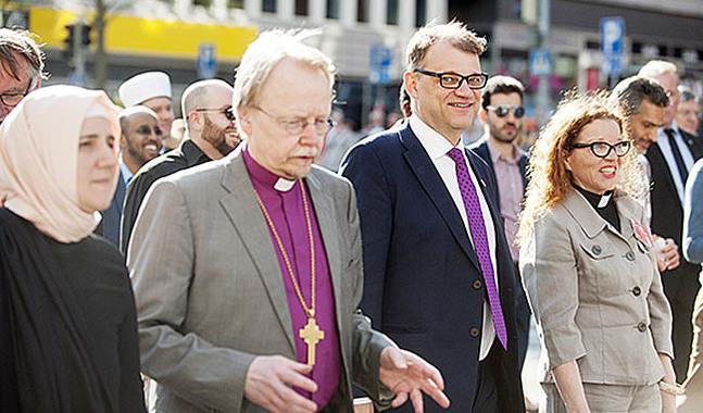 Statsminister Juha Sipilä talade på  kyrkodagarna i Åbo  på fredagen. Han deltog också i religionernas fredsmarsch tillsammans med ärkebiskop Kari Mäkinen med flera.