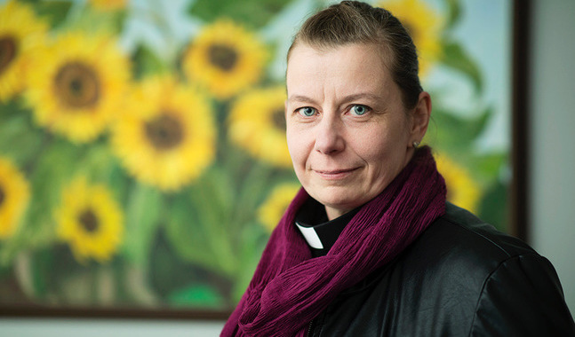 Mia Bäck är kyrkoherde i Åbo.