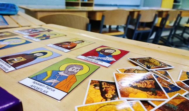 De här korten används i ortodox religionsundervisning i lågklasserna.