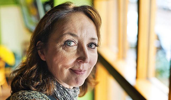 Katriina J�rvinen har intervjuat m�nniskor som av olika orsaker v�grar ha kontakt med sina f�r�ldrar.