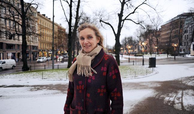 Julkalendern har svenska texter av Monica Vikström-Jokela.