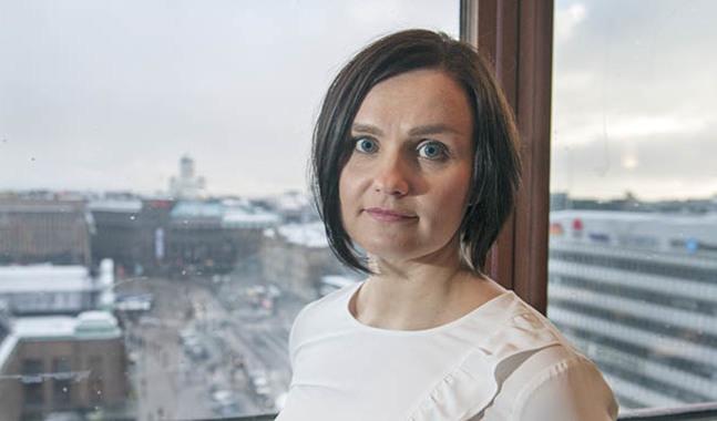 Mari Turunen har intervjuat 31 invandrare som konverterat från islam till kristen tro. Intervjuerna har hon sammanställt i boken Kääntyneet.