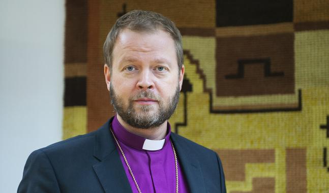 Teemu Laajasalo är ny biskop i Helsingfors. Han hoppas att kyrkan ska klara en åsiktsmångfald.