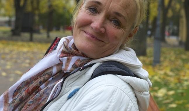 Birgit Jakobsen-Korvenoja hyser varma k�nslor f�r Danmark och har tillbringat m�nga barndomssomrar hos sl�kten d�r.  ��Jag hoppas att den danska identiteten har pr�glat mig eftersom danskarna �r det lyckligaste folket i v�rlden. (Foto: Michaela Rosenback)