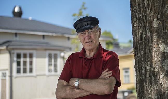 Bön är ett tema som ligger emeritusbiskop Erik Vikström varmt om hjärtat.Nu kommer hans vardagsböner för året i kortform ut som en liten bönbok.