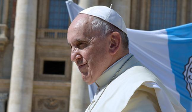 Påve Francikus senaste drag är att sammankalla biskopar till möte kring övergreppsskandalerna.