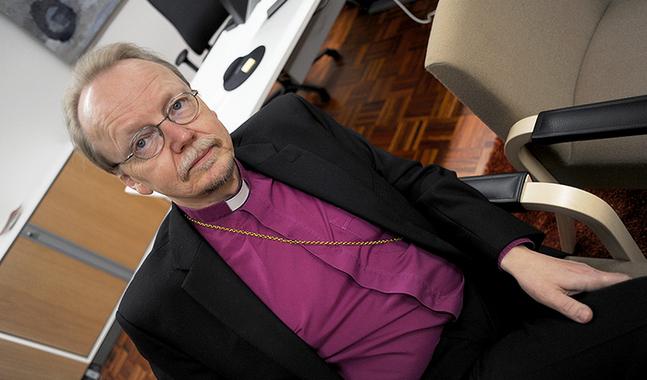 �rkebiskop Kari M�kinen.
