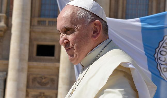 Påve Franciskus anklagas för heresi i ett 20 sidor långt brev.