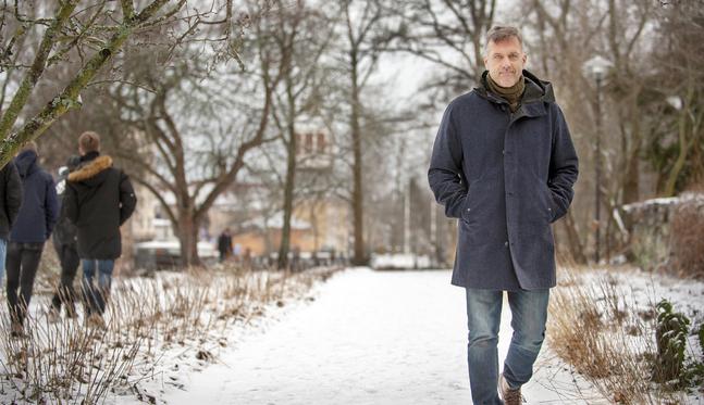Trygve Cederberg väjer inte undan för debatter – i själva verket älskar han att debattera. En gång gick han in i kristdemokraternas valtält i Jakobstad och argumenterade i en timme.