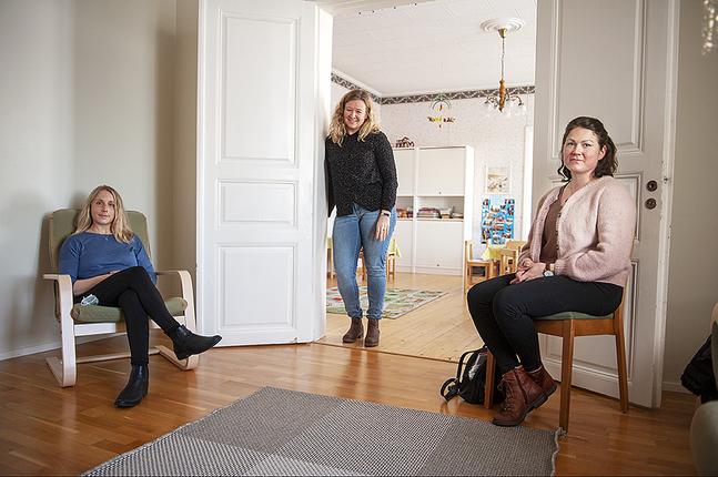 Lena Nyfelt, Madeleine Englund-Svenlin och Samantha Holmberg är gruppledare för var sin smågrupp.