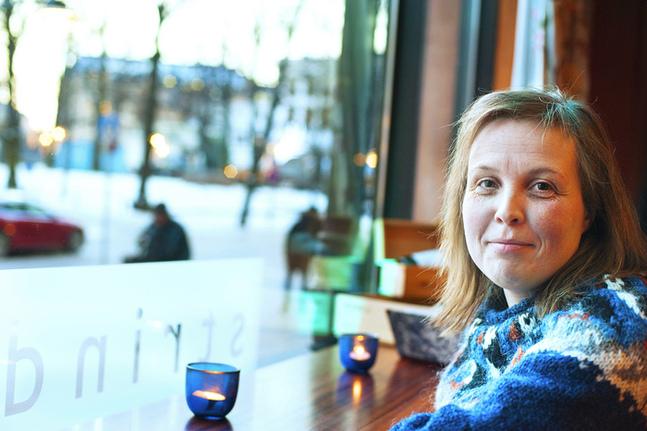 Karin Erlandsson är tjänstledig från sitt journalistjobb och skriver på följande bok.