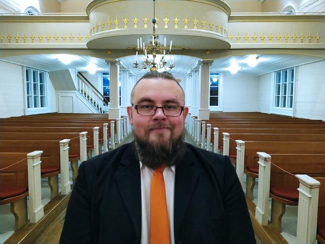 Frank Hydén gjorde 22 skisser för dopträdet i Korsnäs kyrka.
