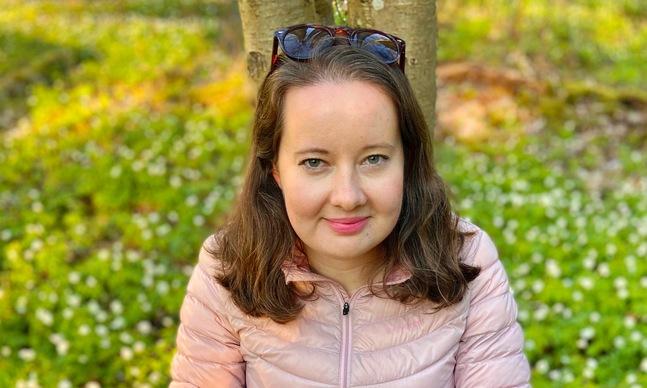 Hanna Wiik jobbar som modersmålslärare vid ett gymnasium i huvudstadsregionen. Hennes favoritplats i stan är Sveaborg.