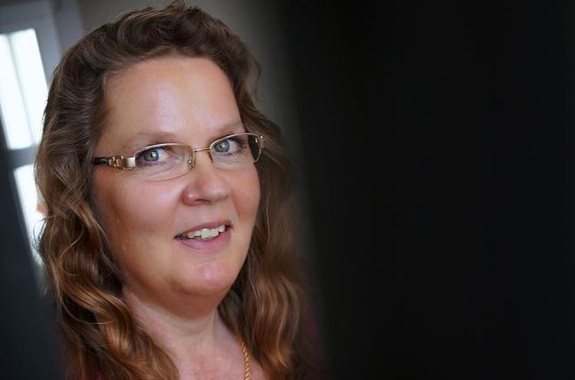 – Att gå in i en parallell värld när jag skriver är otroligt roligt, säger Annika Gustafsson- Flinck.
