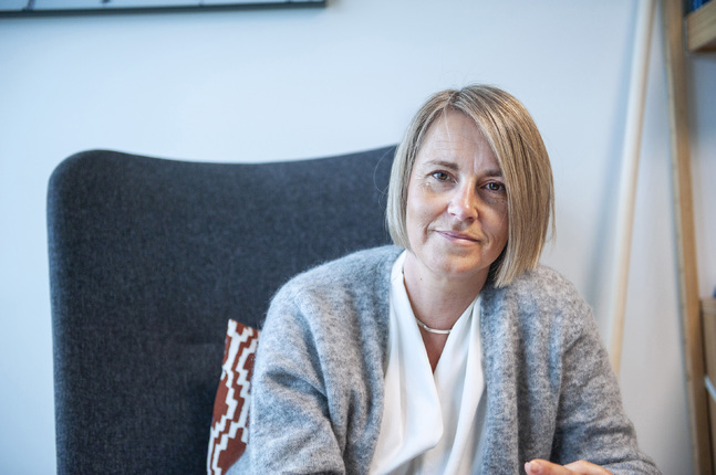 Katri Kanninen är psykologie doktor, terapeut och författare. Hon vårdar sin Gudsrelation till exempel genom att bikta sig.