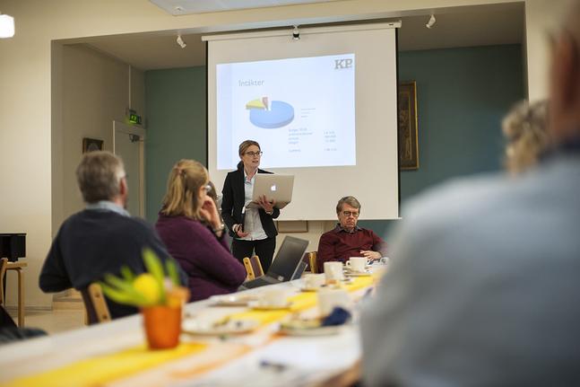 May Wikström och Fontana Medias styrelseordförande Hans Boije på KP-rådslag i Borgå.