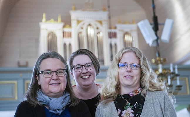 Kantorsteamet Maria Ellfolk-Lasén, Mikaela Malmsten-Ahlsved och Diana Pandey.