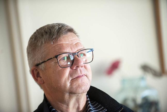 Jan-Erik Nyberg jämför sitt arbete som familjerådgivare med gitarrens klangbotten.