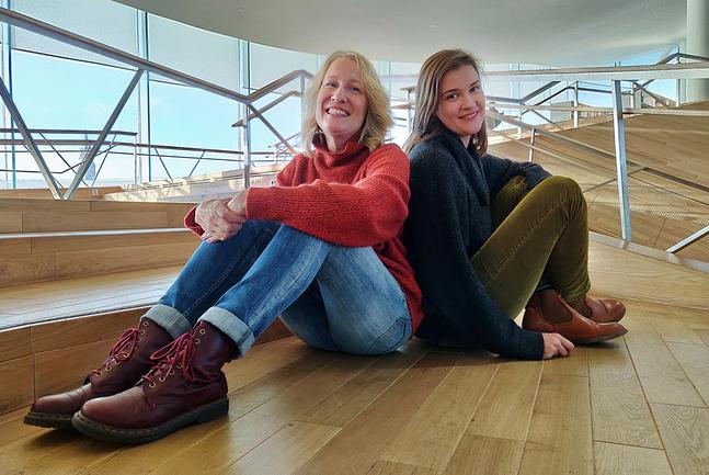 Sofia Torvalds och Maria Sann står för text och bild i kyrkans julkalender.