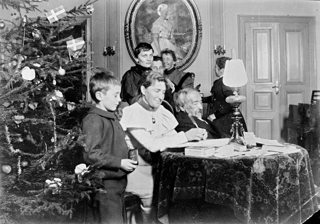 Zacharias Topelius i hemmet på Björkudden julen 1897, den sista julen han levde.