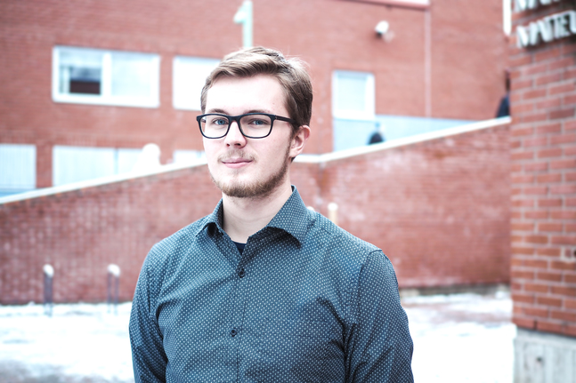 Axel Kaaro är civiltjänstgörare i Matteus församling. Hans favoritplats i stan är Hertonäs gårds park.