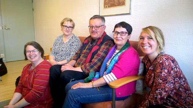 Cable-metoden stärker individen med hjälp av gruppen, fr.v. Henrica Lindholm, Carita Riitakorpi, Torbjörn Johansson, Annica Söderström och Henrika Hyttinen.