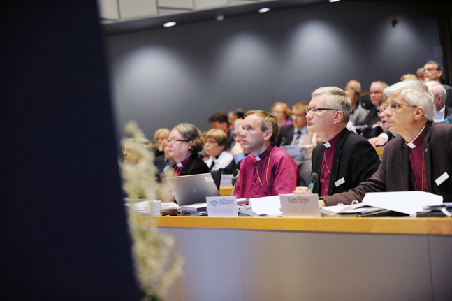 Björn Vikström, Seppo Häkkinen och Matti Repo överväger att ställa upp i ärkebiskopsvalet.