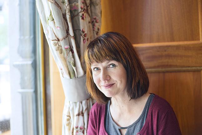 Heli Pruuki säger att många som skiljer sig inte känner till att de kan få förlikningshjälp vid en skilsmässa. Det finns också ett webbformulär med vilket föräldrarna kan göra avtal om barnets vård efter skilsmässan.