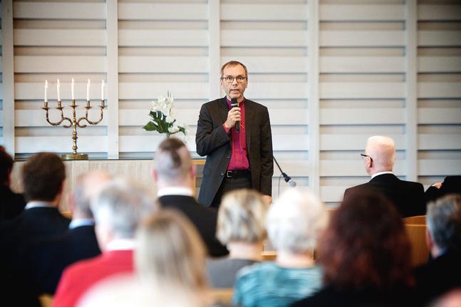 Björn Vikström har bestämt sig och ställer upp i ärkebiskopsvalet.