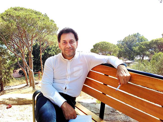 Pastor Harout Selimian leder en liten kyrka med ett stort arbete. Han tror på en framtid i Syrien.