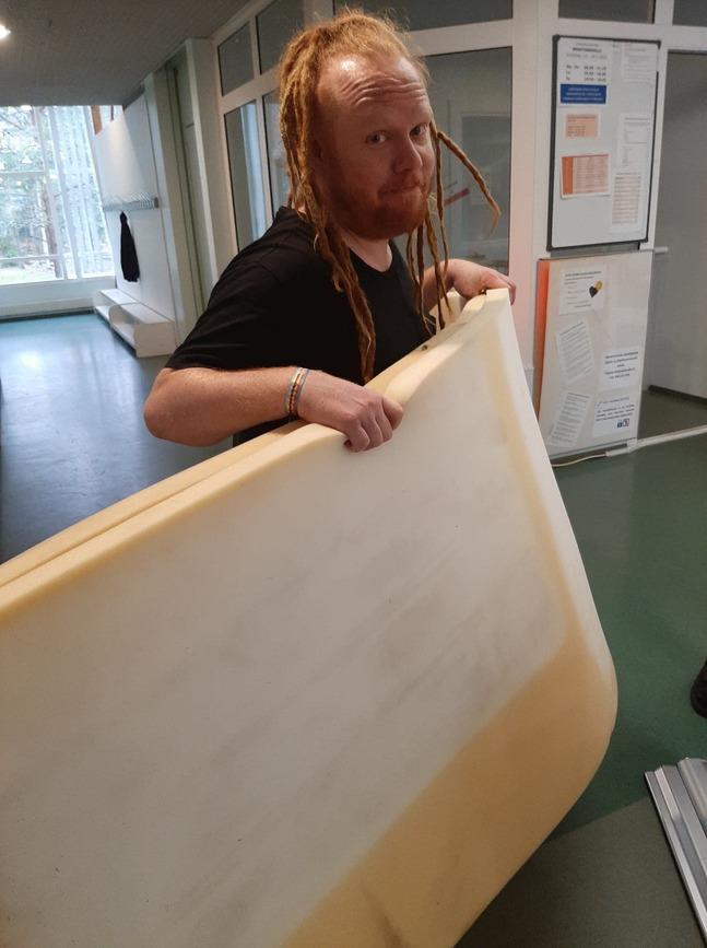 Daniel Jakobsson bär madrasser och skriver musikaler, allt som behövs för en lyckad Höstdagshelg.