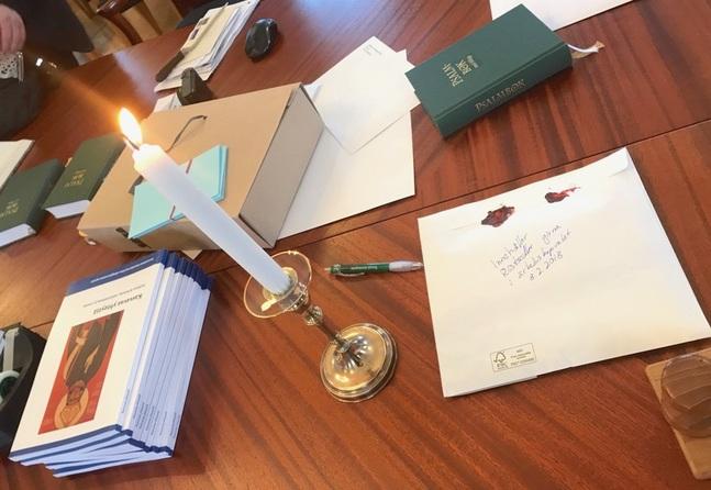Många poströstade redan i den första omgången. Så här såg det ut då på domkapitlet i Borgå.