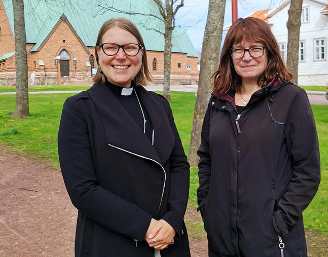 Eftersom kyrkan har ett miljödiplom vill vi vara med, säger Jessica Bergström och Lisbet Nordlund.