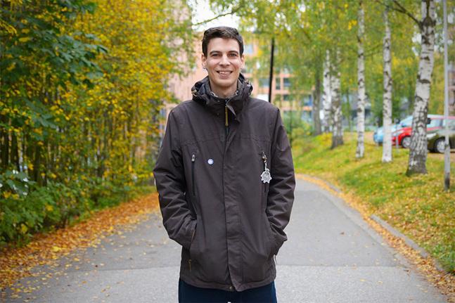 Emil Anton har skrivit en bok om sin fars familjs troshistoria.