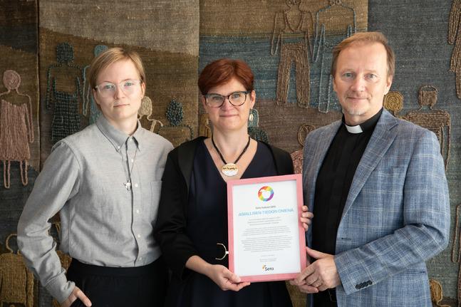 Sakris Kupila, Sari-Annika Pettinen och Jarmo Kokkonen jobbar med kyrkans fostran och familjeärenden.