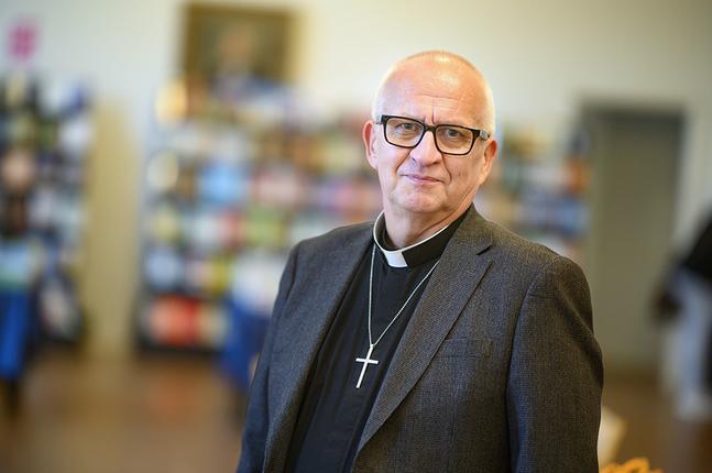 Harry S Backström söker kyrkoherdetjänsten i Pedersöre.
