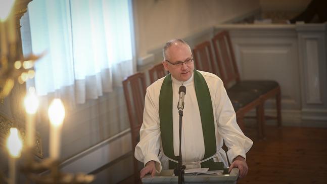 Bilden från Bo-Göran Åstrands avskedspredikan i Jakobstad, där han verkat som kyrkoherde.