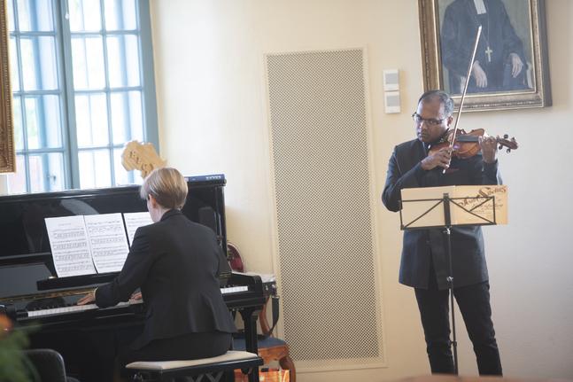 Pia Bengts och John Emanuelsson spelade.