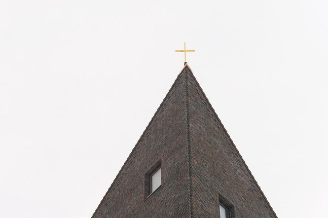 Vanda svenska församling har sin utrymmen i nya Dickursby kyrka.