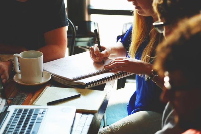 Hittills har 70 personer gått utbildningen för frivilliga ekonomirådgivare. Av dem är största delen fortfarande med i verksamheten.