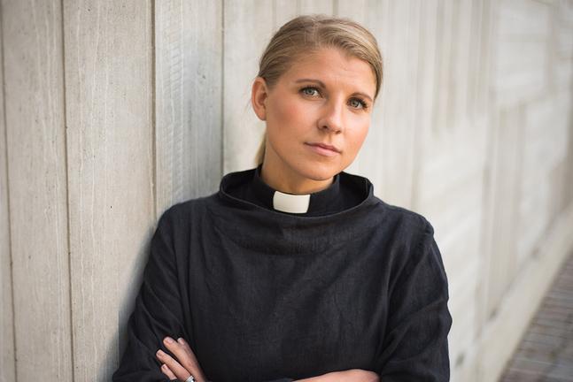 Emma Audas disputerar idag med en avhandling om kyrkans äktenskapssyn.